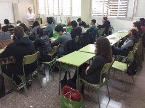 Alumnos durante la clase teórica sobre SATE con AIPEX